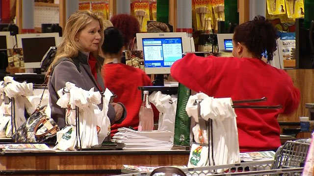 Two days before Christmas is the busiest day for grocery stores across the country. (WFSB)