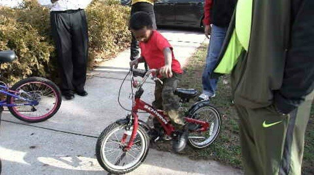 New Haven family receives 9 bicycles from toy drive (WFSB)