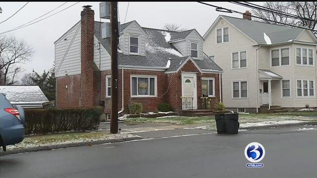 Mom arrested on Christmas Eve after child found wandering outside (WFSB)