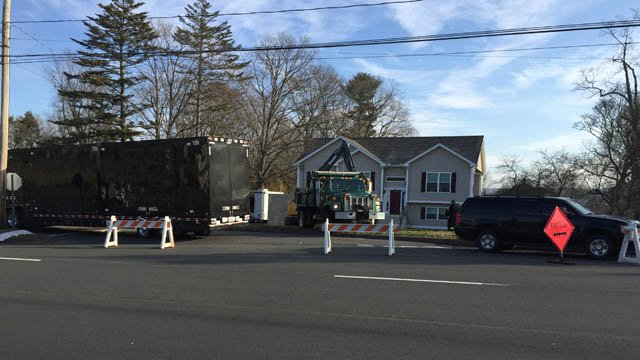 FBI began a digging investigation in Cromwell Tuesday morning. (WFSB photo)