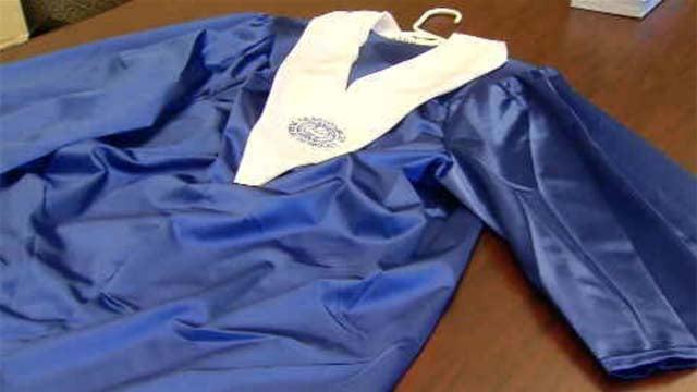 Glastonbury changes high school graduation tradition (WFSB)