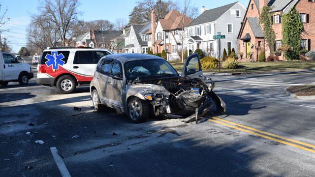 Driver of vehicle facing charges after crash (West Hartford police)