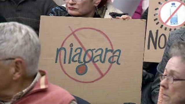 Hundreds attend meeting in Bloomfield to speak out against water-bottling facility (WFSB)