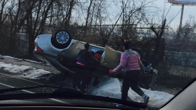 A rollover was reported on New Park Avenue Friday morning. (Janis Courter/iWitness photo)