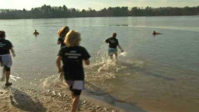 Hundreds 'plunge' for Special Olympics Connecticut (WFSB)