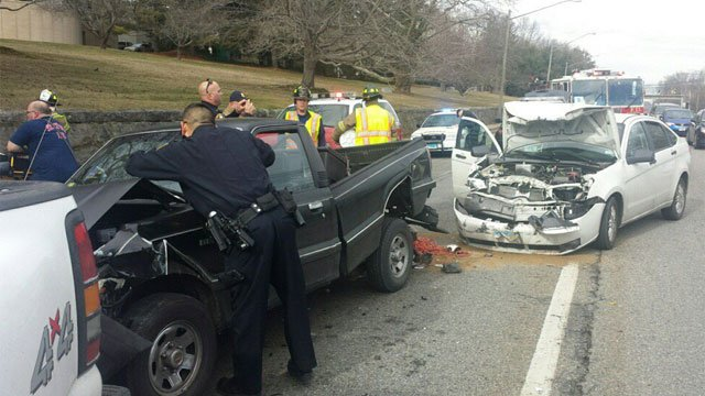 Three people were injured in crash at CT College. (@Local1522)