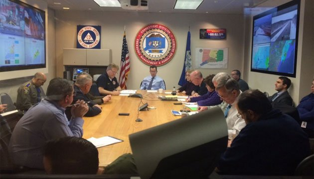 "Malloy held an ""unified command meeting with state officials at the state Emergency Operations Center to continue winter storm response efforts."" (@GovMalloyOffice)"