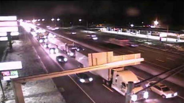 A crash closed part of I-95 north in West Haven on Sunday evening. (WFSB)