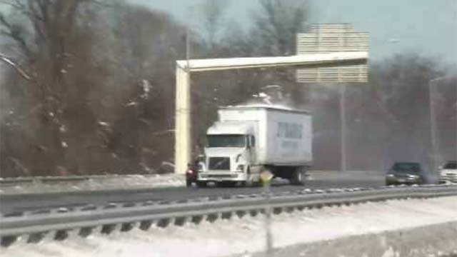 Troopers across the state have been cracking down on drivers who aren't clearing snow off their vehicles (WFSB)