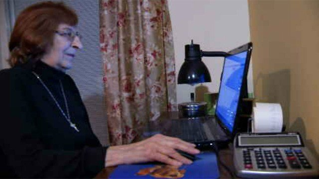 Jeanette Repsher said scammers called her but once she started asking questions the caller hung up (WFSB)