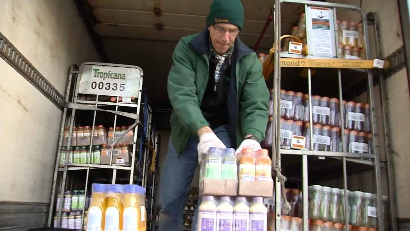 Jim DiGiacomo delivers juice in New Haven. (WFSB photo)