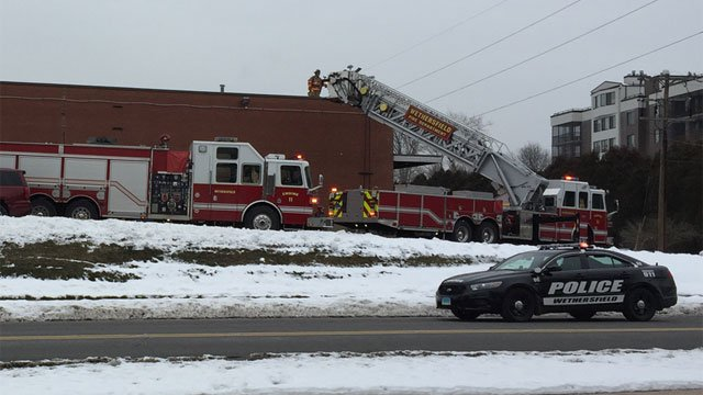 Possible gas leak reported at Pet Supply Plus on Silas Deane Highway in Wethersfield. (WFSB)