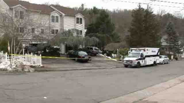 Police were called to the home shortly after 10 a.m. on Linden Place (WFSB)