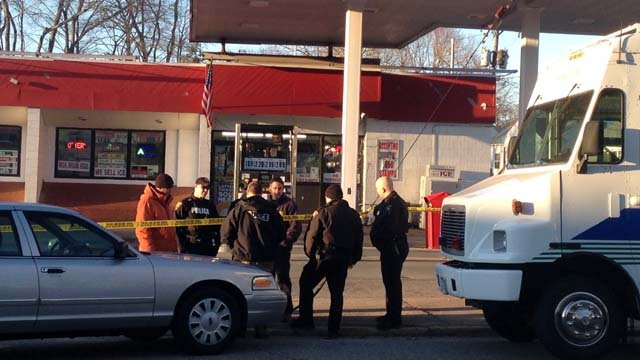 Police said the victim was shot at the Ravi store on Broad St. (WFSB photo)