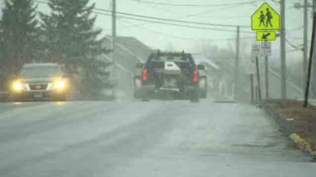 Slick roads were seen in Southington on Monday afternoon as the snow came down (WFSB)
