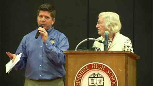 Cheshire High School honors longtime staff member (WFSB)