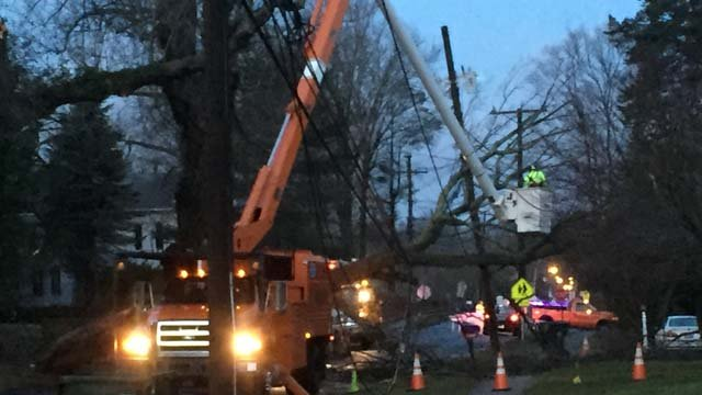 Hudson Street is closed while crews repair downed wires. (WFSB photo)