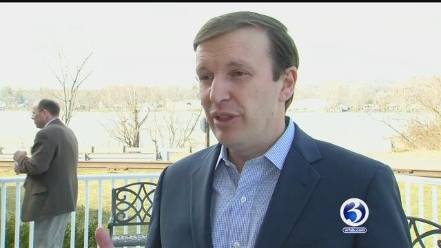 Sen. Chris Murphy held his 'fed up' town hall meeting Sunday in Norwalk on Connecticut's current state of transportation.  (WFSB)